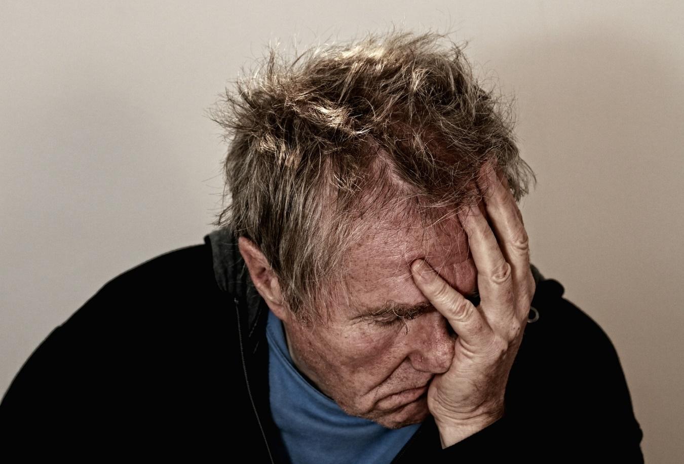 Hipnosis-para-las-cefaleas-y-dolor-de-cabeza